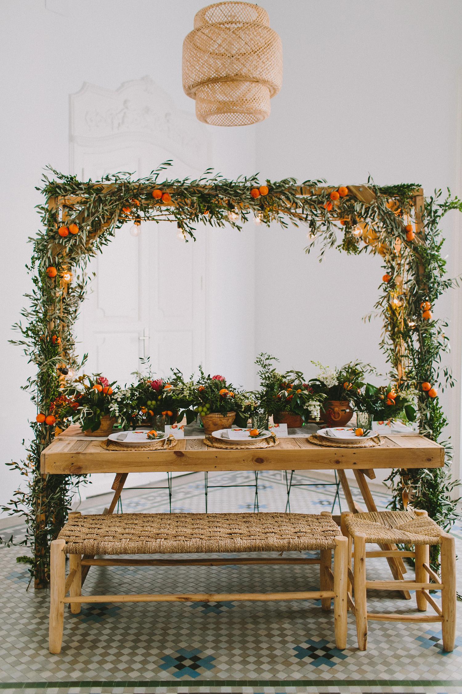 romantic Spanish wedding inspiration - photo by Paula G Furio https://ruffledblog.com/1920s-mediterranean-wedding-inspiration-in-valencia-spain