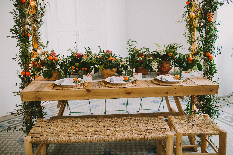 wedding seating - photo by Paula G Furio http://ruffledblog.com/1920s-mediterranean-wedding-inspiration-in-valencia-spain