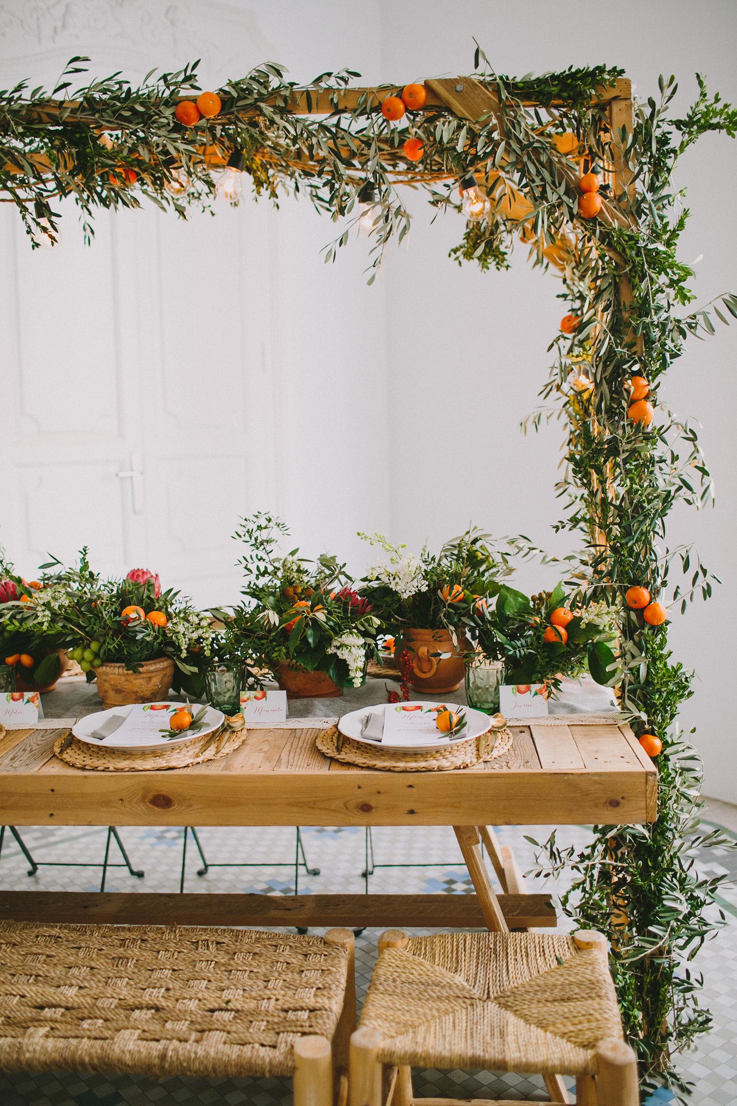 wedding inspiration with fruit - photo by Paula G Furio https://ruffledblog.com/1920s-mediterranean-wedding-inspiration-in-valencia-spain