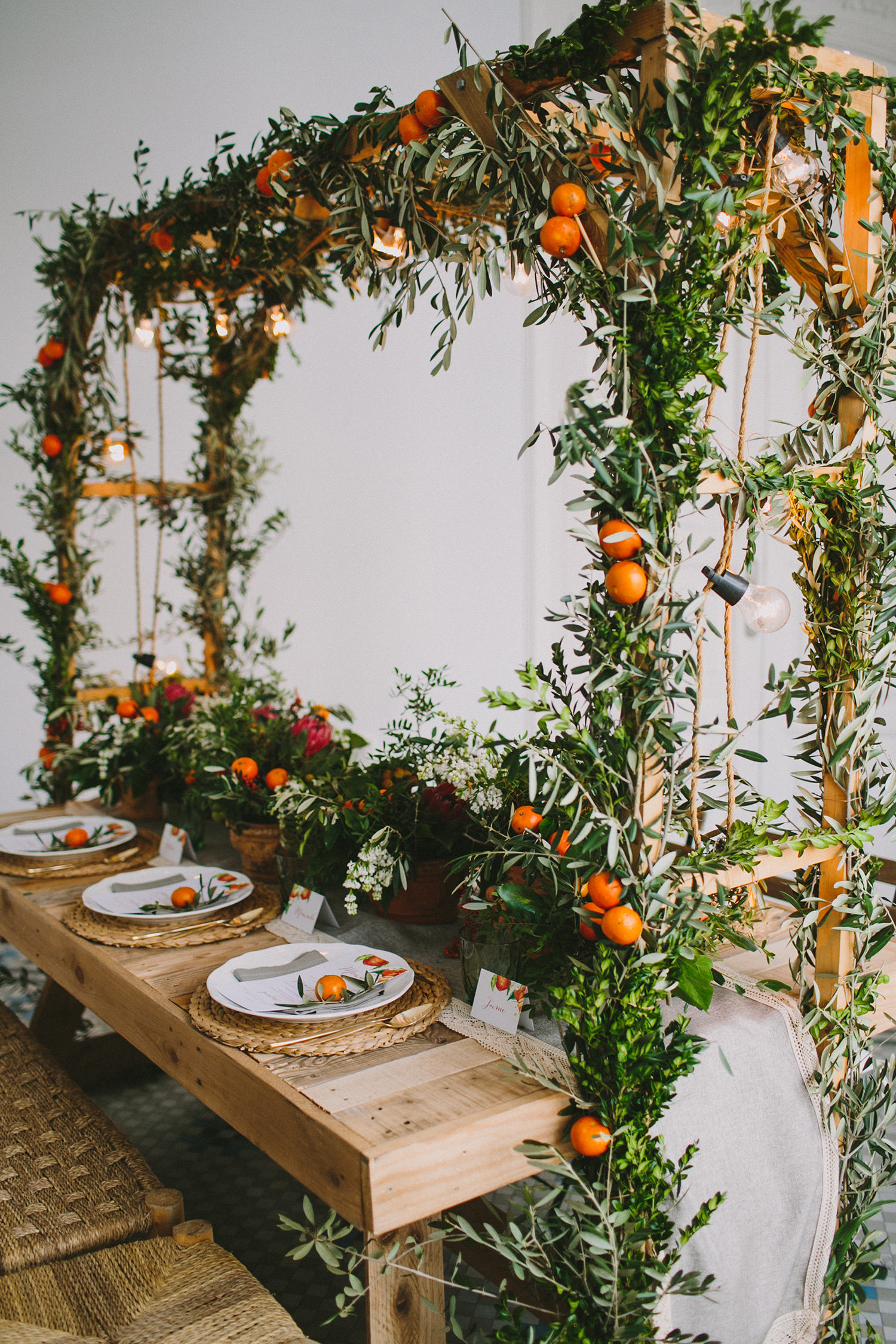 wedding reception table inspiration - photo by Paula G Furio https://ruffledblog.com/1920s-mediterranean-wedding-inspiration-in-valencia-spain