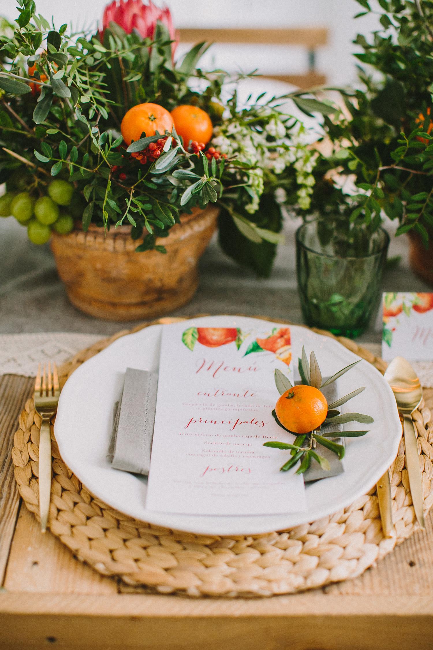 fruit inspired place settings - photo by Paula G Furio https://ruffledblog.com/1920s-mediterranean-wedding-inspiration-in-valencia-spain