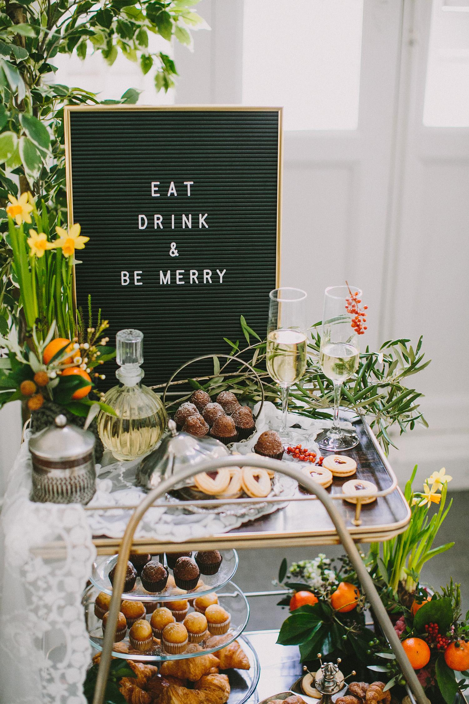 dessert tables - photo by Paula G Furio https://ruffledblog.com/1920s-mediterranean-wedding-inspiration-in-valencia-spain