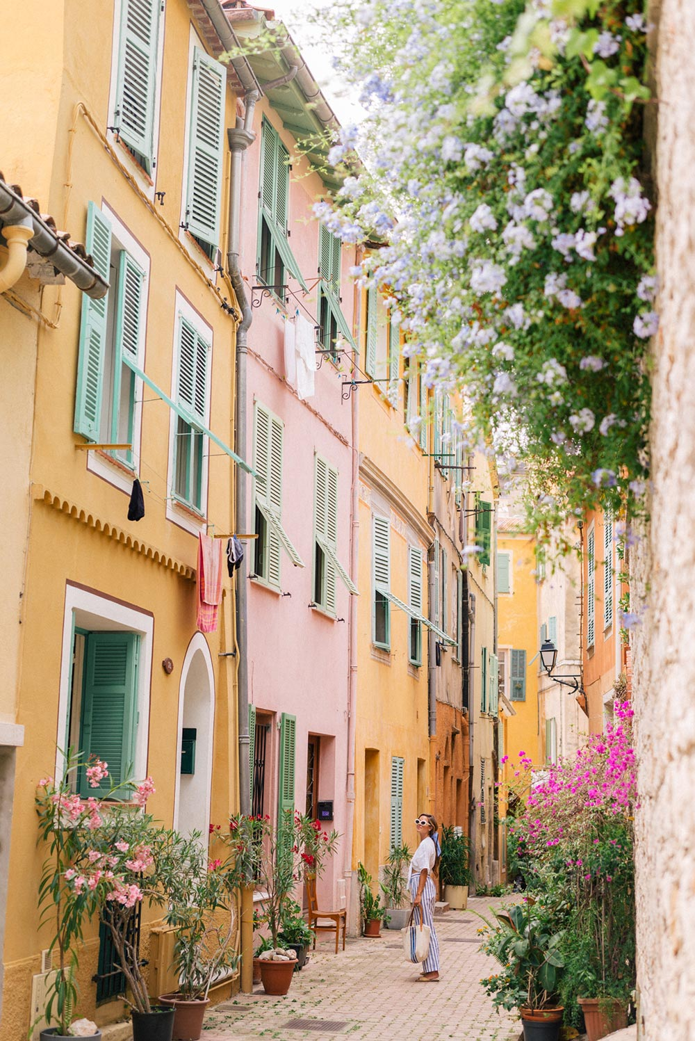 2019 honeymoon destination colorful Provence architecture