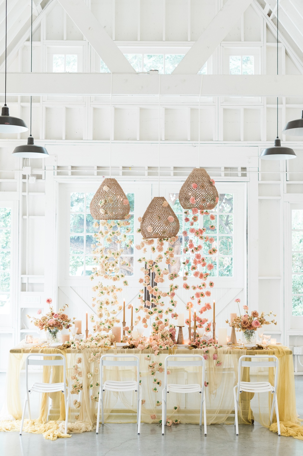 honey colored tablescape with drippy petals