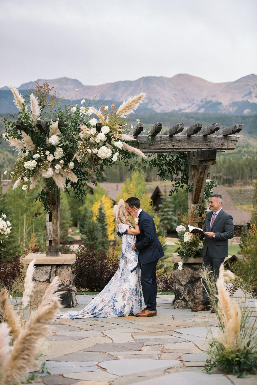 High Fashion Boho Country Wedding At Devil S Thumb Ranch