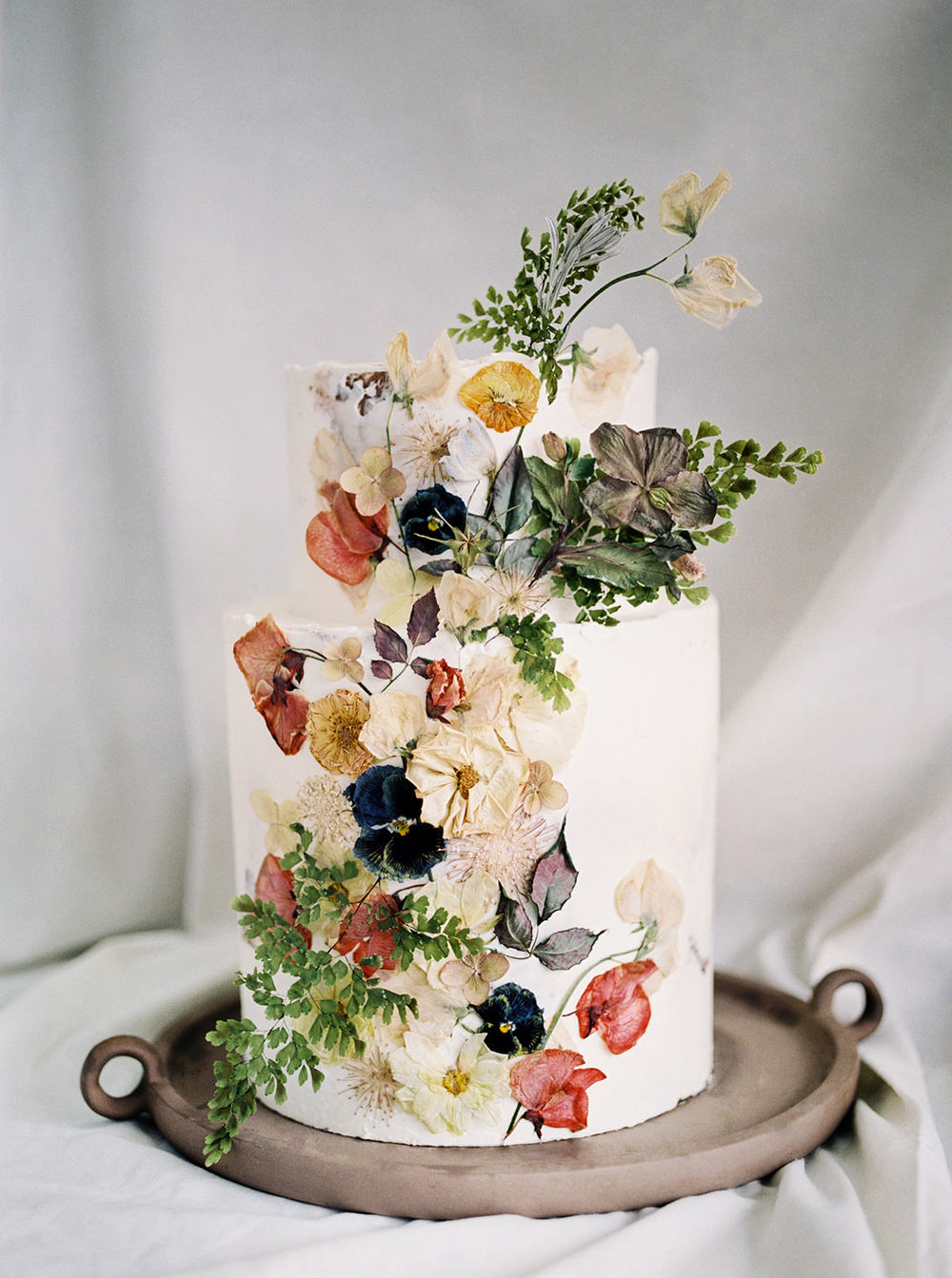 15 Elevated Ways You Can Use Pressed Flowers For Weddings Ruffled