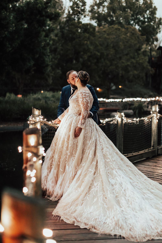 Bold Blue and Orange Wedding at San Diego Zoo Safari Park ⋆ Ruffled