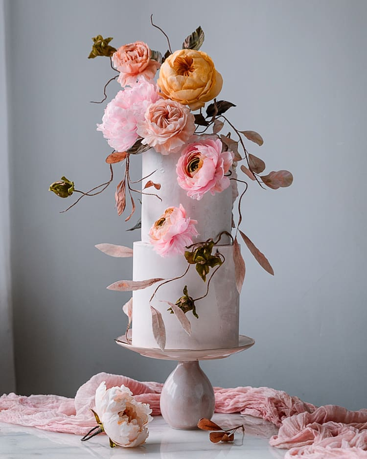 28 Sugar Flower Wedding Cakes That Are Too Good To Eat ⋆ Ruffled