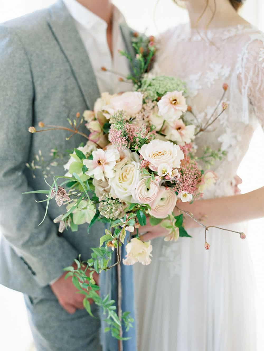 Seasonally Inspired Wedding Flowers With A Goddess Of Spring Bridal Look Ruffled
