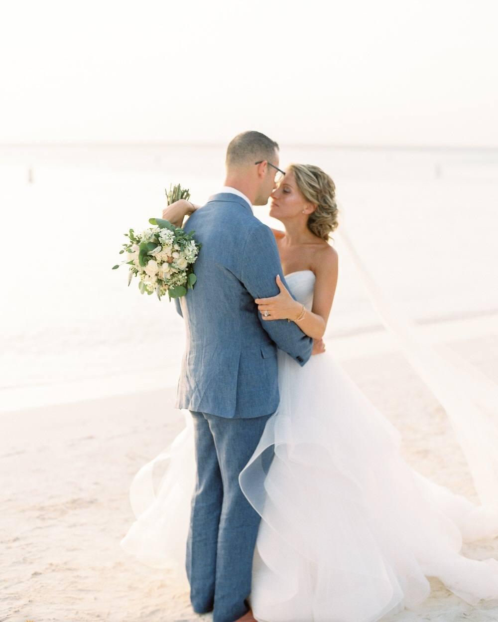 bride and groom wedding portrait at Aruba beach
