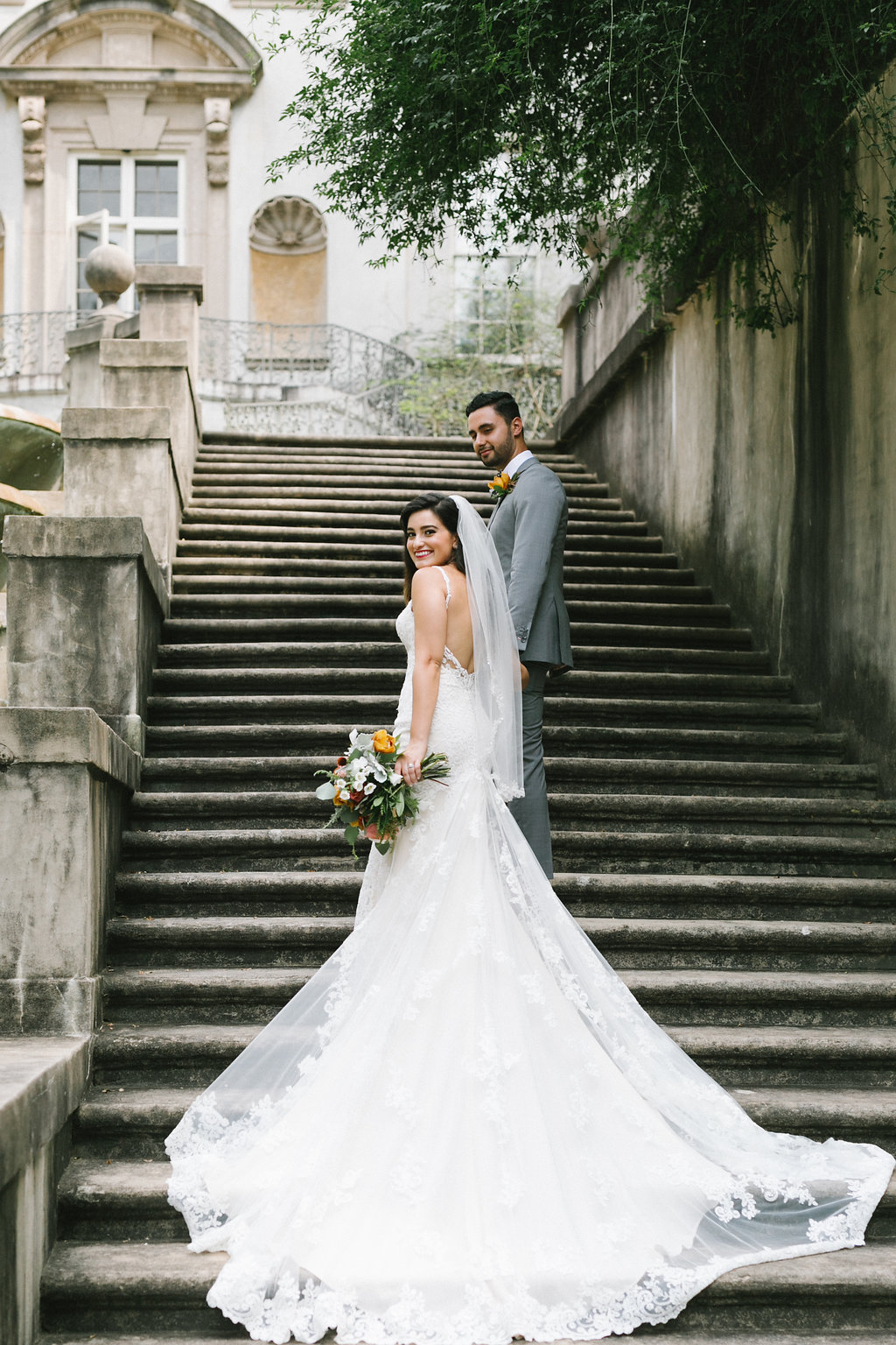 Vibrant Atlanta Wedding Inspiration with Rust Accents - https://ruffledblog.com/vibrant-atlanta-wedding-inspiration-with-rust-accents