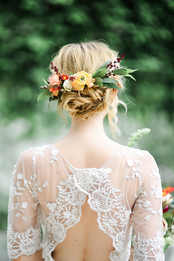 34 Loose Wedding Updos For Brides With Long Hair Ruffled