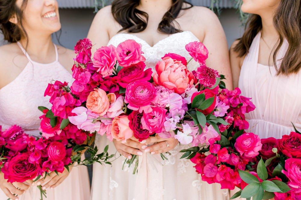 bride and bridesmaid floral bouquets
