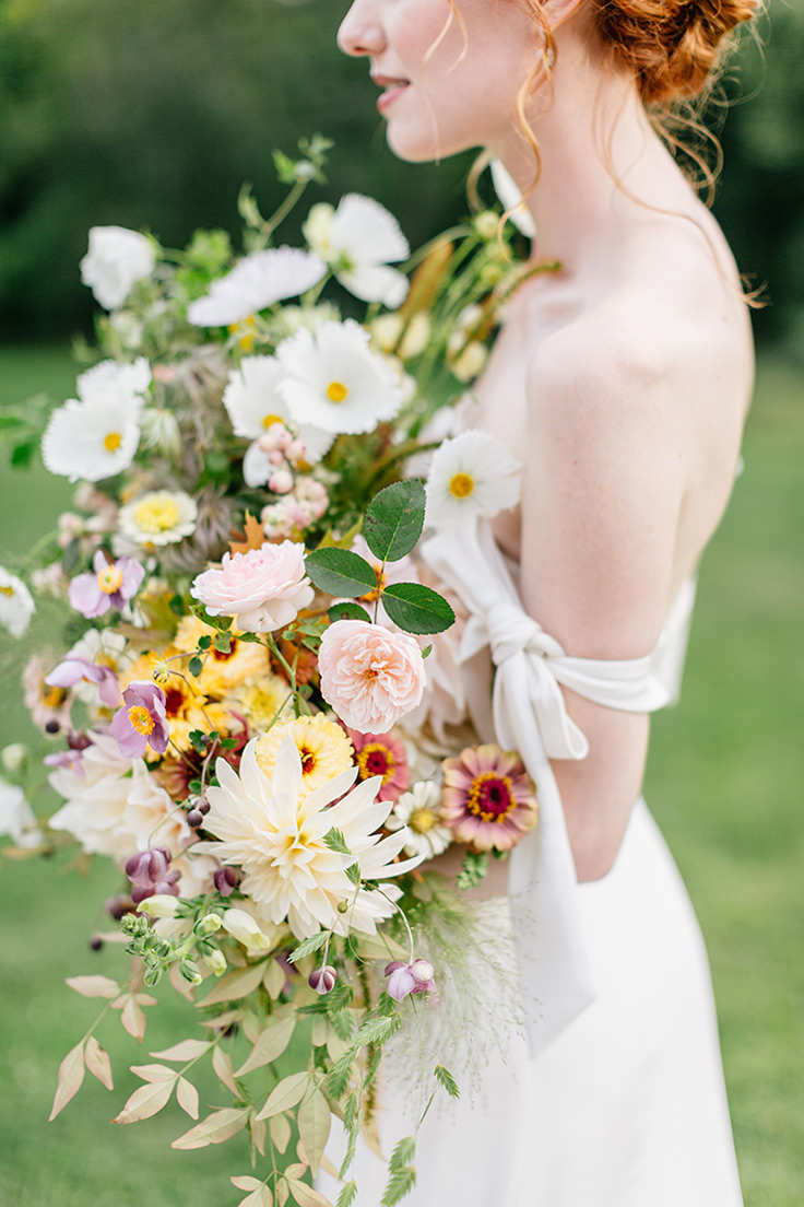 Isn't this just the perfect blend of contemporary and Old World romance? #weddinginspiration #romantic #femme see more: https://ruffledblog.com/contemporary-old-world-romance