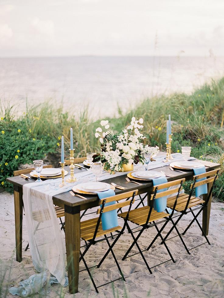 You've Got To See This Bride's Crystal Tiara! #weddinginspo  #coastal #agates see more: https://ruffledblog.com/dusty-blue-coastal-editorial