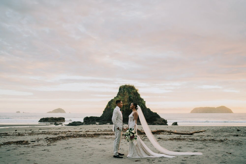 Coast Rica bride and groom photo on the beach