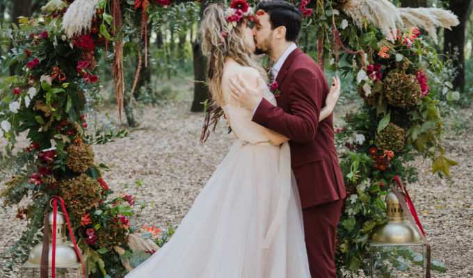 bride and groom kiss during their Italian wedding