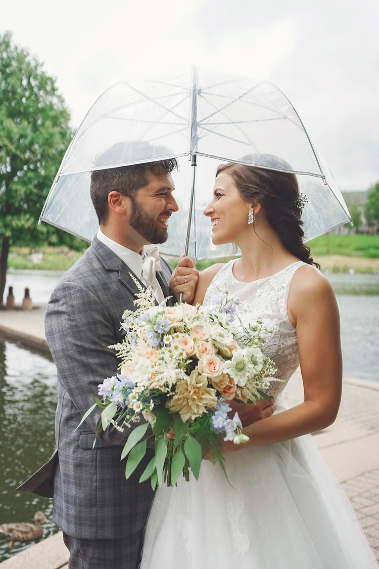 California Coast Inspired Wedding Ideas - photo by Studio Twelve 52 https://ruffledblog.com/california-coast-inspired-wedding-ideas