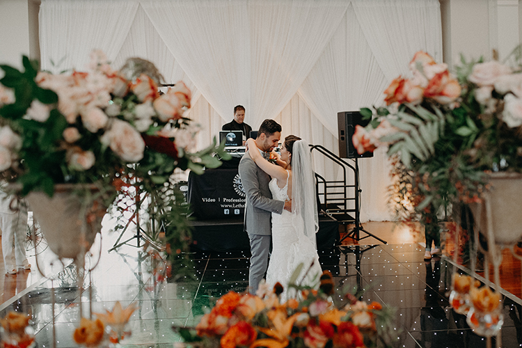 orange wedding inspiration - https://ruffledblog.com/vibrant-atlanta-wedding-inspiration-with-rust-accents