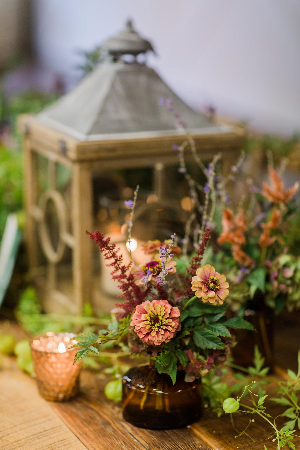 woodland inspired wedding with greenery - https://ruffledblog.com/rustic-woodland-chic-wedding-inspiration-in-baltimore