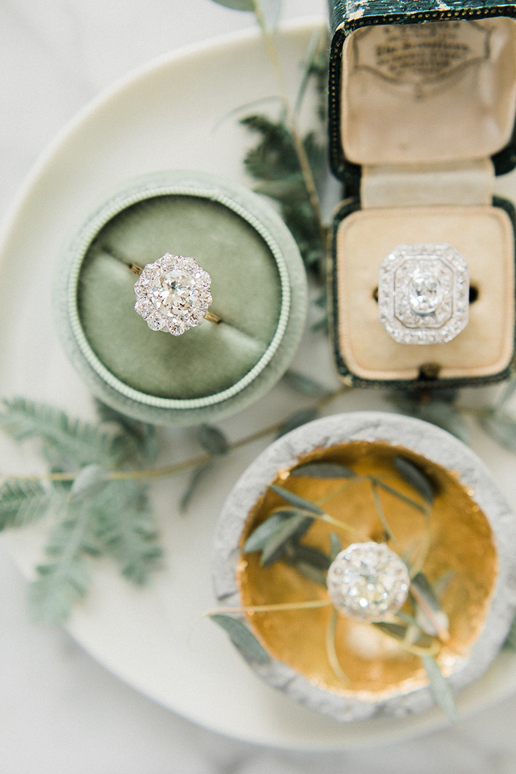 These vintage engagement rings are seriously drool-worthy #antiquejewelry #vintagerings #engagementrings see more: https://ruffledblog.com/vintage-engagement-rings-101-victor-barbone