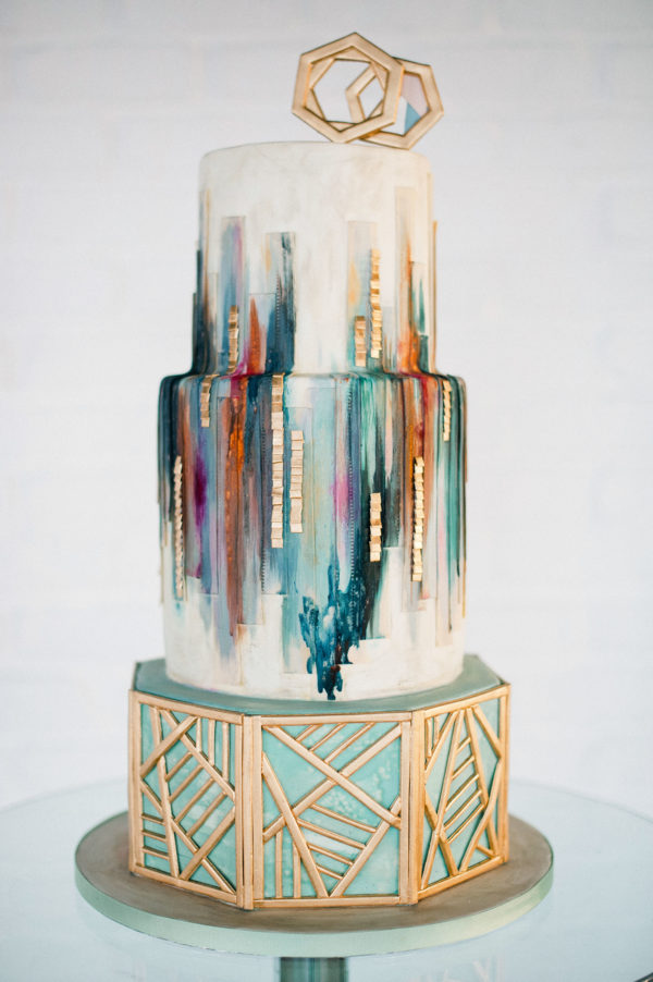 Olofson Design geometric wedding cake - photo by Anushe Low http://ruffledblog.com/40-eyecatching-geometric-wedding-ideas