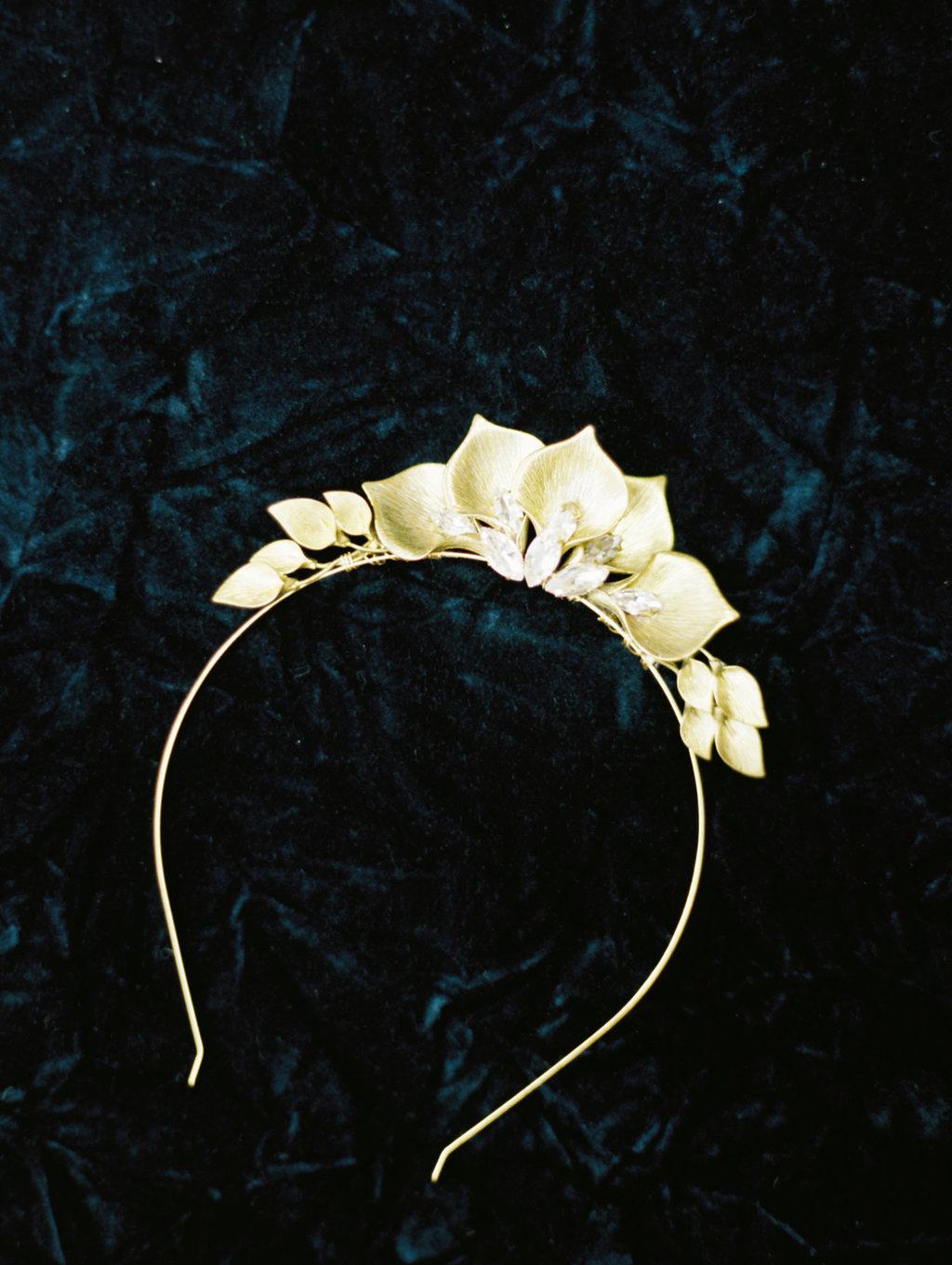 gold bridal headpieces - photo by Charla Storey https://ruffledblog.com/architectural-san-antonio-mission-wedding-inspiration