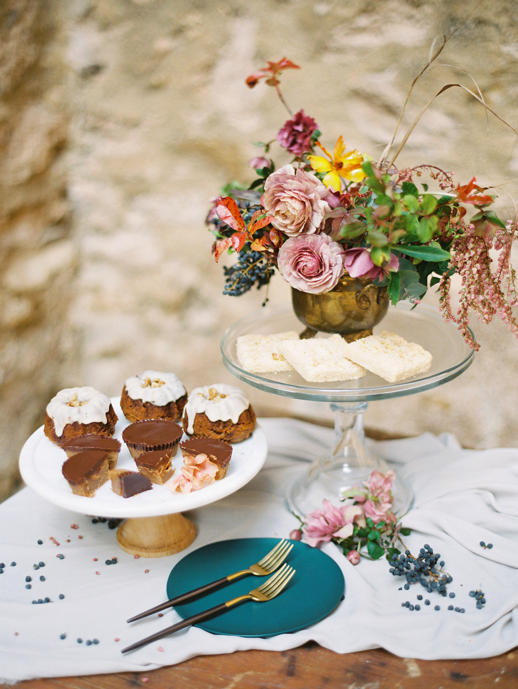 dessert tables - photo by Charla Storey http://ruffledblog.com/architectural-san-antonio-mission-wedding-inspiration