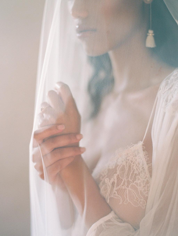 wedding photography - photo by Charla Storey https://ruffledblog.com/architectural-san-antonio-mission-wedding-inspiration