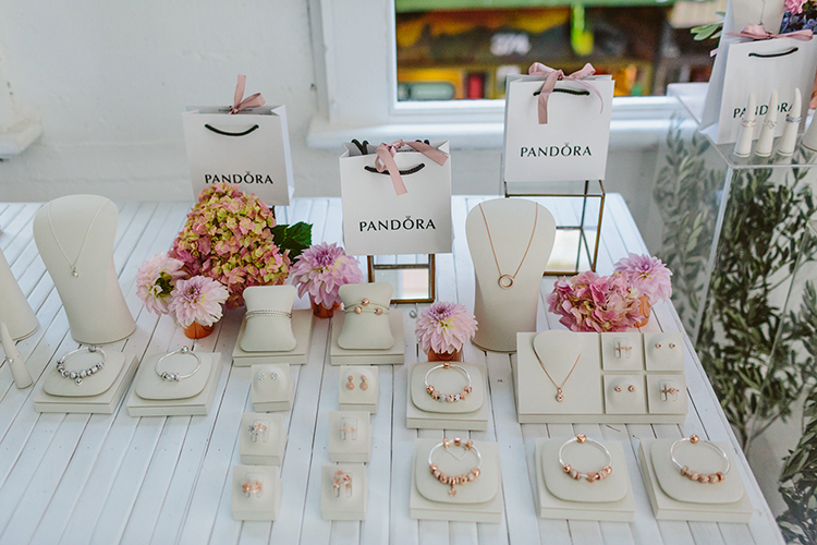 jewelry parties - photo by Beck Rocchi http://ruffledblog.com/balloon-filled-party-inspiration-at-a-pandora-brunch