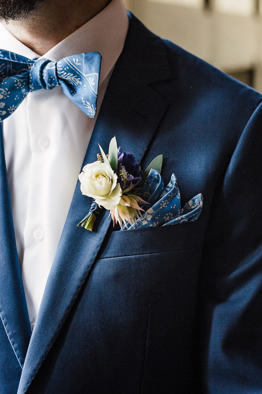 Cyanotype Inspired Wedding Ideas in Chicago - photo by Amber Renee Design http://ruffledblog.com/cyanotype-inspired-wedding-ideas-in-chicago