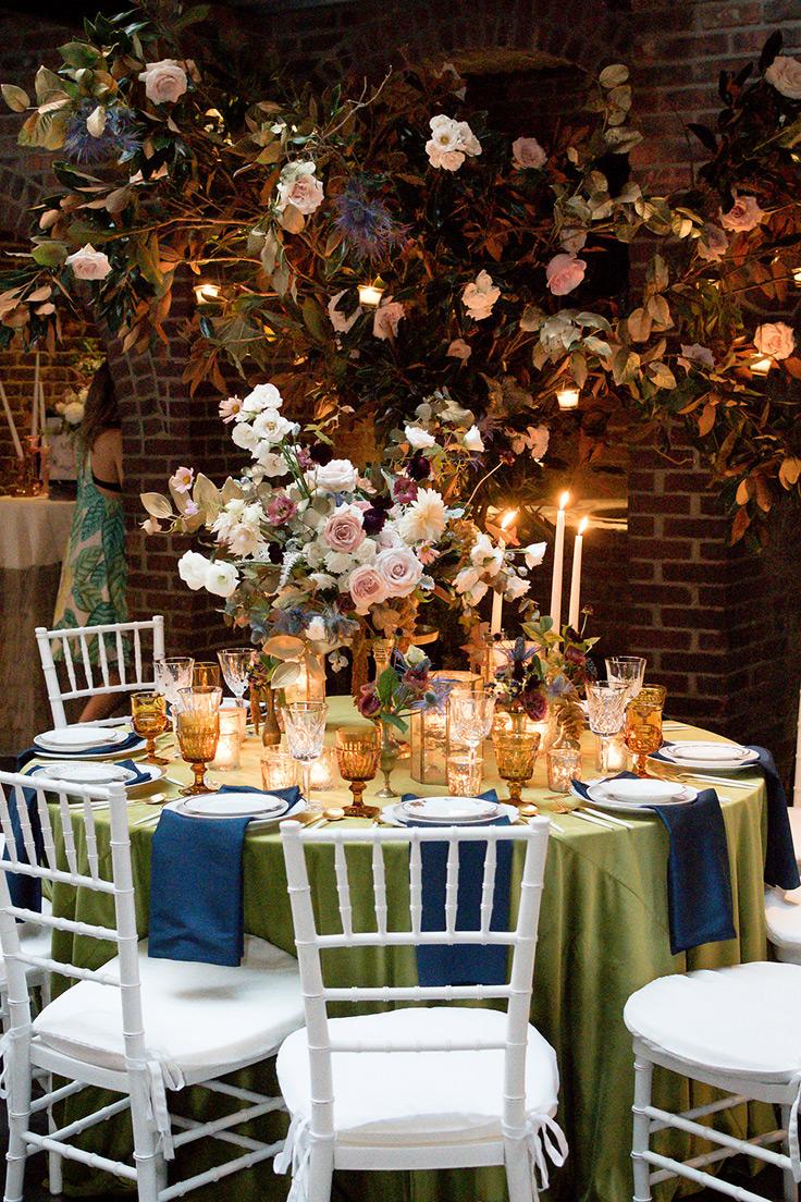 Botanical wedding inspiration See more: https://ruffledblog.com/botanical-wedding-inspiration-bfw