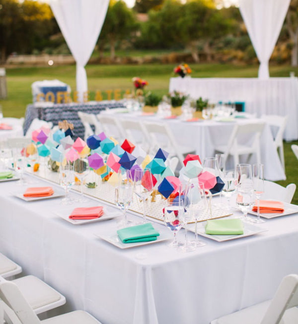 geometric wedding centerpiece - photo by Birds of a Feather https://ruffledblog.com/40-eye-catching-geometric-wedding-ideas