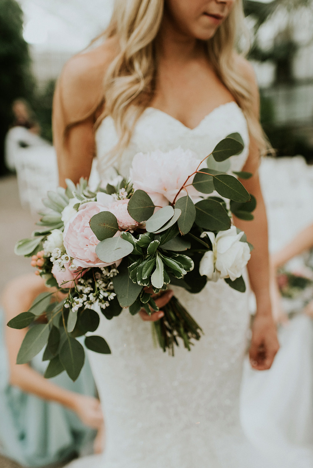 romantic wedding bouquets - photo by M2 Photography https://ruffledblog.com/black-tie-philadelphia-wedding-with-a-boho-twist