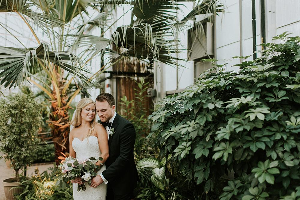 wedding photography - photo by M2 Photography http://ruffledblog.com/black-tie-philadelphia-wedding-with-a-boho-twist