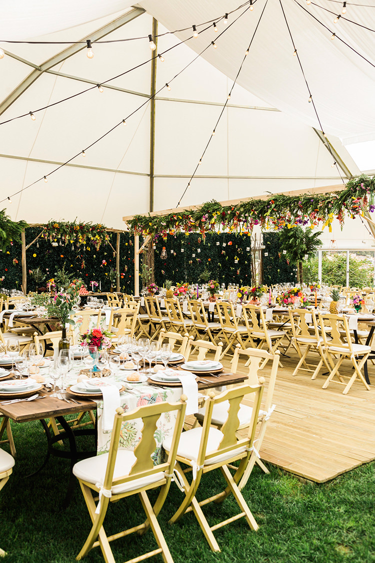 bohemian wedding receptions - photo by Passionate https://ruffledblog.com/bohemian-wedding-in-portugal-with-bright-flowers-everywhere
