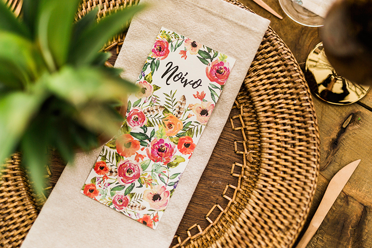wedding paper goods - photo by Passionate https://ruffledblog.com/bohemian-wedding-in-portugal-with-bright-flowers-everywhere