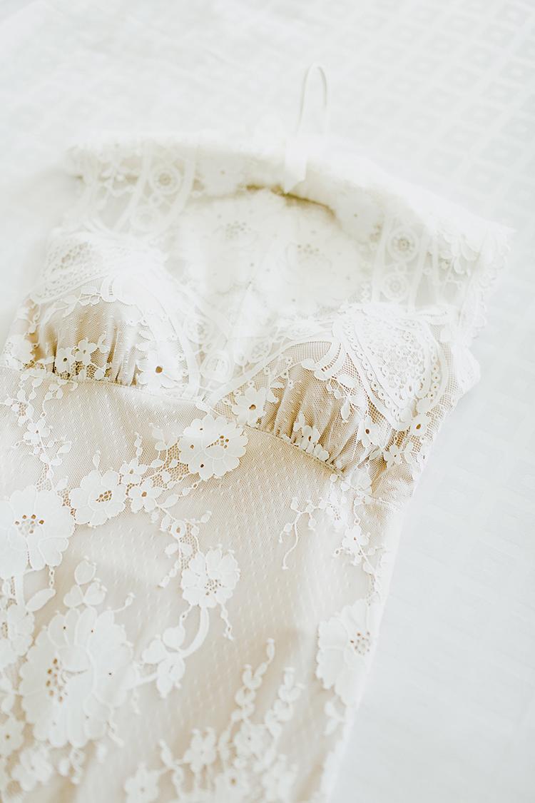 lace boho wedding dresses - photo by Jenna Bechtholt Photography https://ruffledblog.com/boho-pacific-northwest-forest-wedding-with-king-protea
