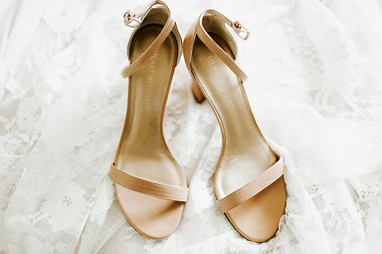 nude wedding shoes - photo by Jenna Bechtholt Photography http://ruffledblog.com/boho-pacific-northwest-forest-wedding-with-king-protea