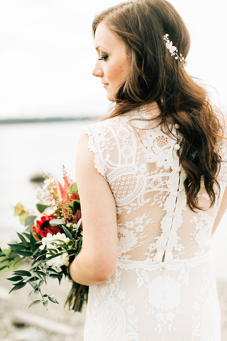 lace wedding dress details - photo by Jenna Bechtholt Photography http://ruffledblog.com/boho-pacific-northwest-forest-wedding-with-king-protea
