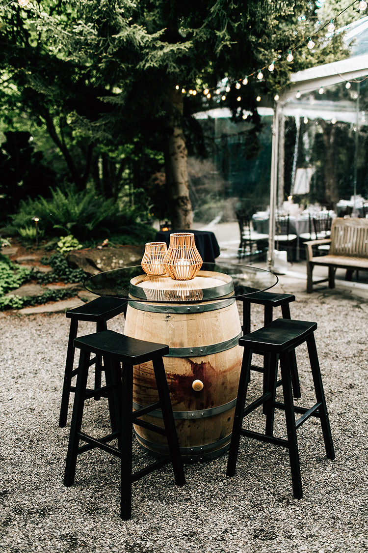 cocktail hour decor - photo by Jenna Bechtholt Photography https://ruffledblog.com/boho-pacific-northwest-forest-wedding-with-king-protea