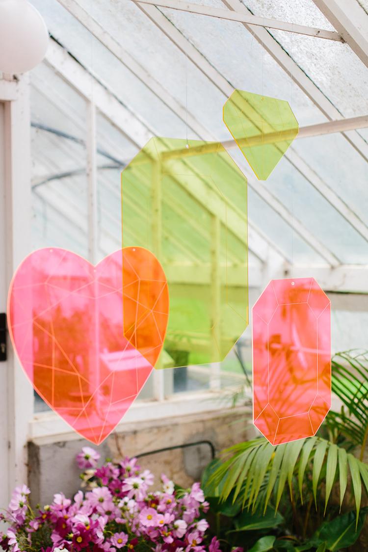 neon wedding decor - photo by Kas Richards http://ruffledblog.com/bold-bohemian-wedding-inspiration-with-a-balloon-display