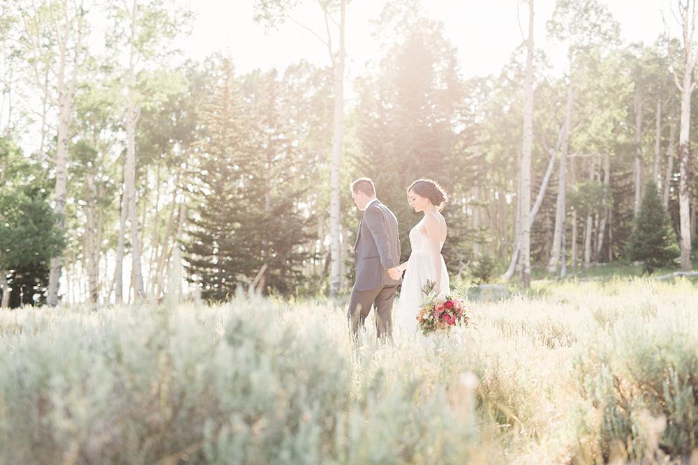 wedding photography - photo by Gideon Photography http://ruffledblog.com/botanical-wedding-ideas-in-the-mountains-of-southern-utah
