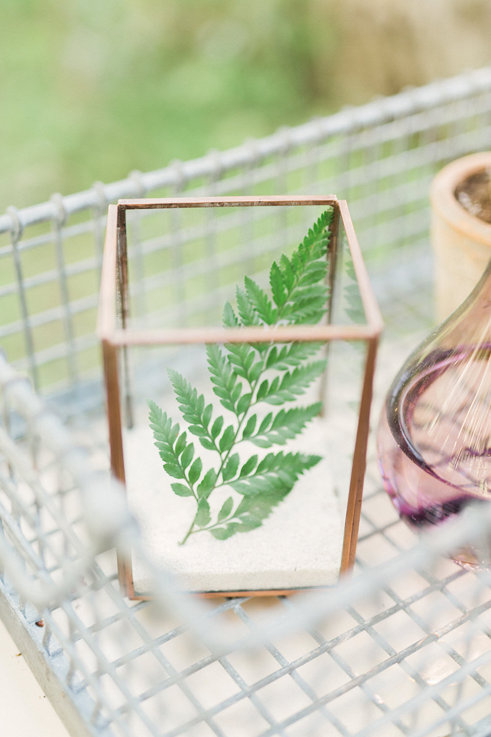 ferns at weddings - photo by Gideon Photography http://ruffledblog.com/botanical-wedding-ideas-in-the-mountains-of-southern-utah