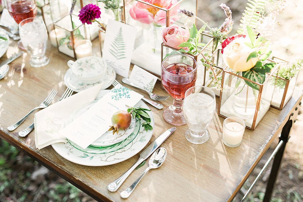 wedding tables - photo by Gideon Photography http://ruffledblog.com/botanical-wedding-ideas-in-the-mountains-of-southern-utah