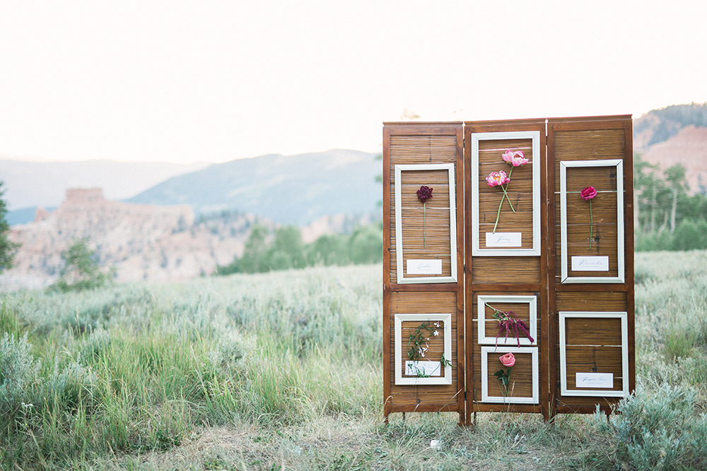 unique seating charts - photo by Gideon Photography http://ruffledblog.com/botanical-wedding-ideas-in-the-mountains-of-southern-utah