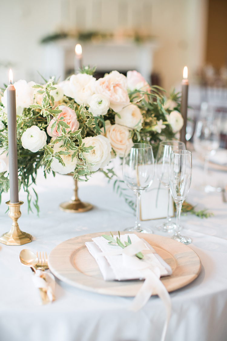 wedding place settings - photo by Hunter Ryan Photo https://ruffledblog.com/breezy-seaside-wedding-with-cascading-greenery