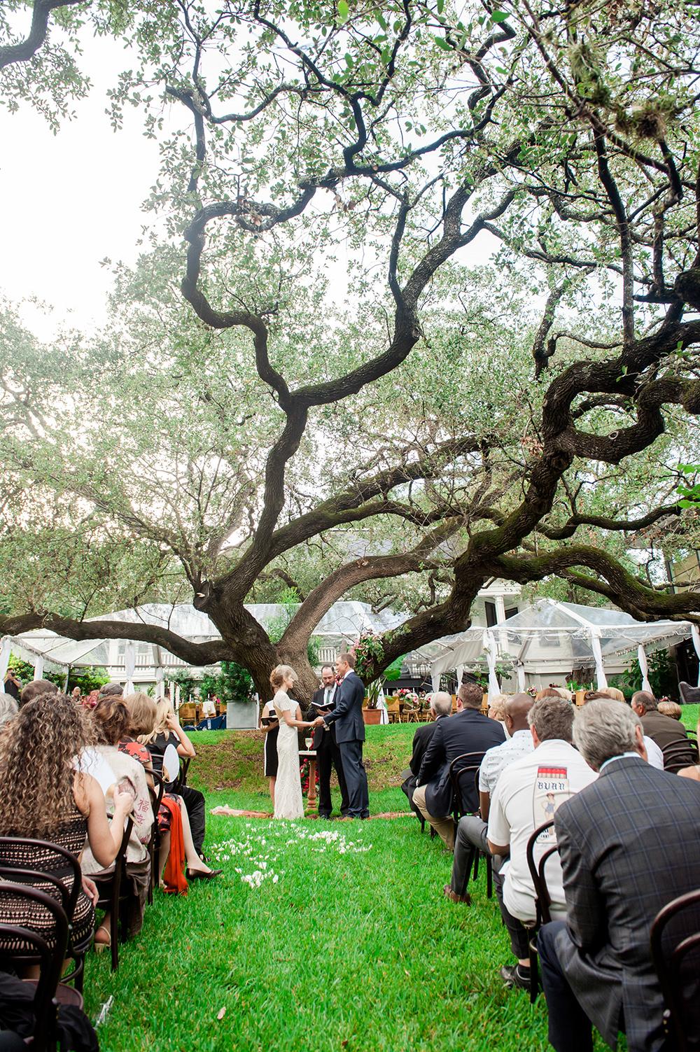 Bright and Bold Austin Wedding - - https://ruffledblog.com/bright-and-bold-austin-wedding photo Jennifer Lindberg