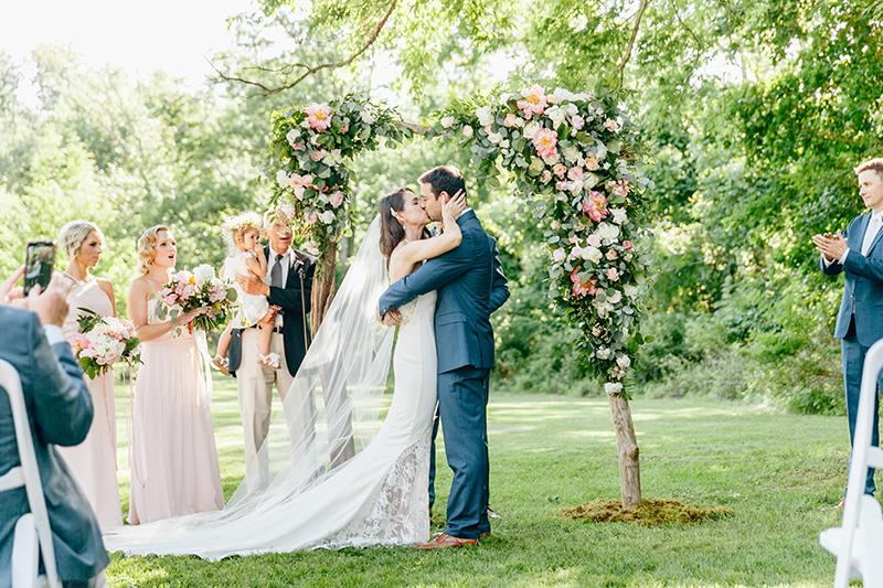 wedding ceremonies - photo by Emily Wren Photography http://ruffledblog.com/bright-beautiful-summer-wedding-with-geometric-accents