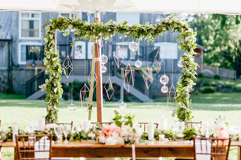 geometric wedding ideas - photo by Emily Wren Photography https://ruffledblog.com/bright-beautiful-summer-wedding-with-geometric-accents